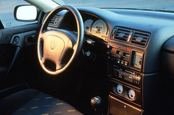 calibra_interior